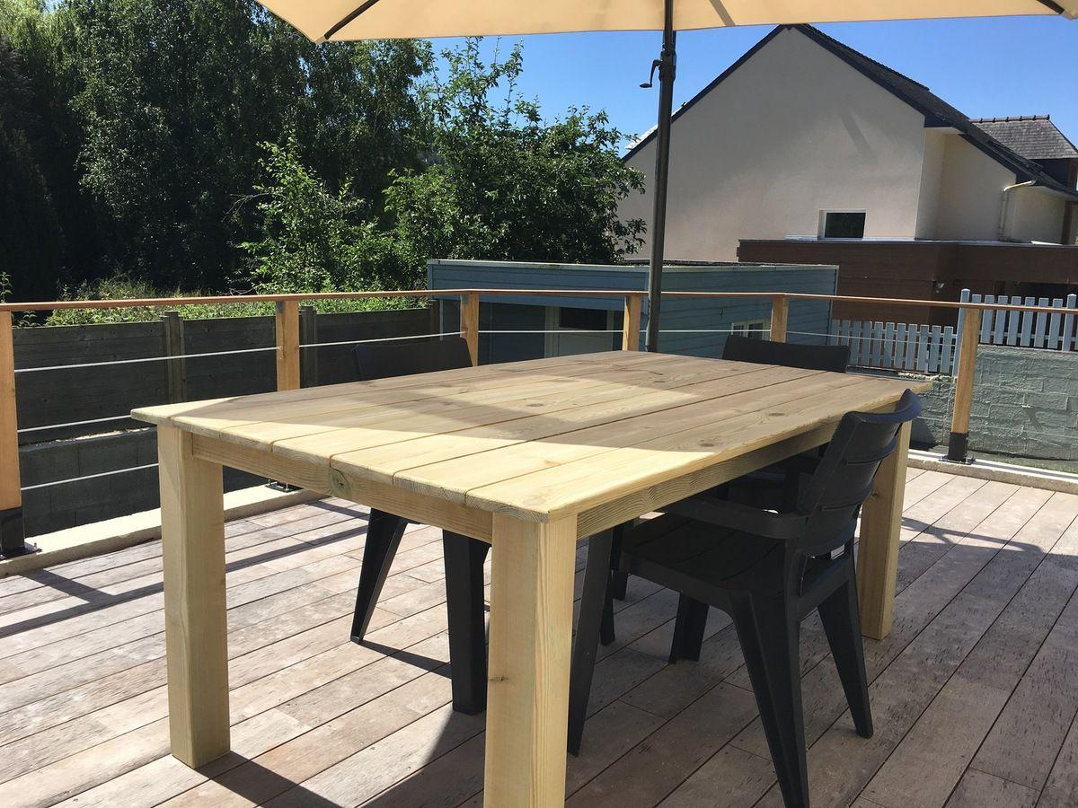 table en bois terrasse de jardin